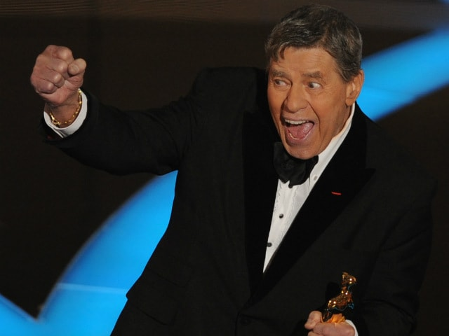 Jerry Lewis, The Nutty Professor, Remembered On Twitter: 'The World Is Less Funnier Today'