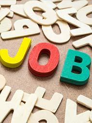 Sarkari Naukri: यूपी में 10वीं पास के लिए सरकारी नौकरी का मौका, 27 हजार से ज्यादा सैलरी