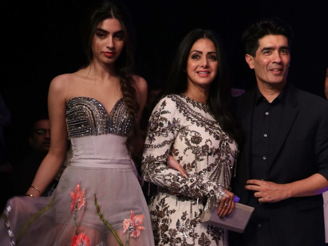 Lakme Fashion Week: Sridevi's Daughter Khushi Was The Star Of Manish Malhotra's A-List Front Row
