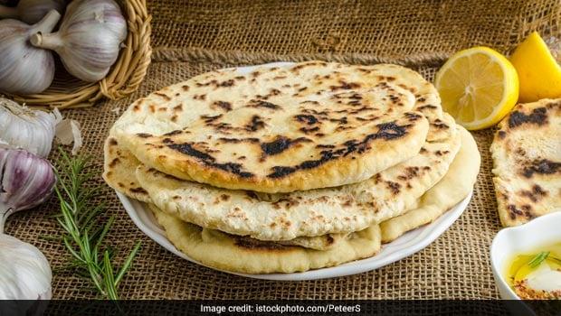 Diwali Special: This Hyderabadi Paneer Aloo Kulcha Recipe Screams Indulgence