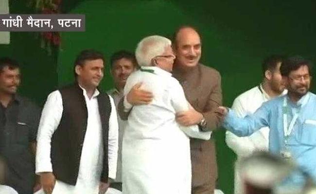 बिहार: उपचुनावों में सीटों के तालमेल को लेकर आरजेडी और कांग्रेस में तकरार