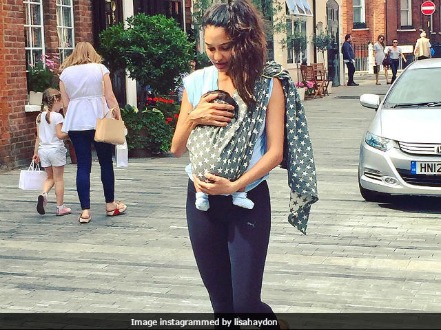 Lisa Haydon celebrates breastfeeding week, shares a pic with son Zack