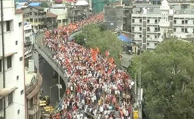 9 Lakh Marathas March In Mumbai For Quota, Farm Loan Waiver