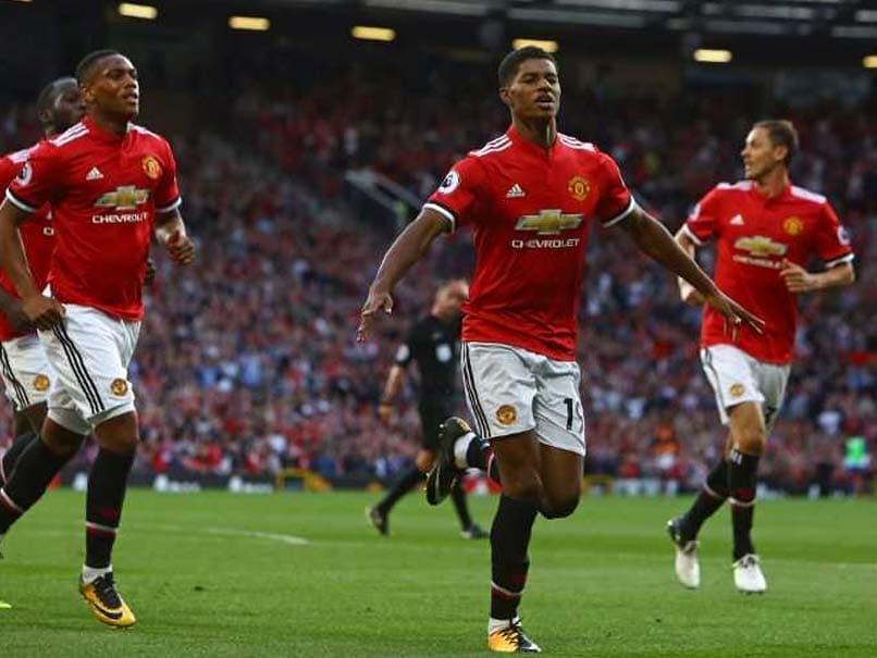Manchester United Substitutes Marcus Rashford, Marouane Fellaini Sink Leicester