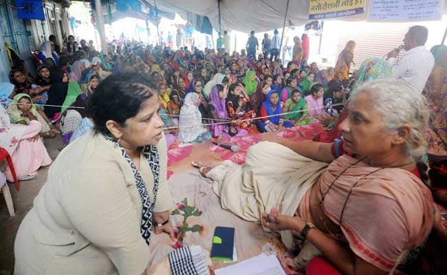Activist Medha Patkar Removed By Police From Protest Site