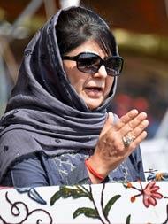 मैं पीएम और पाकिस्तान से अपील करती हूं कि जम्मू-कश्मीर को जंग का अखाड़ा न बनाओ : महबूबा मुफ्ती