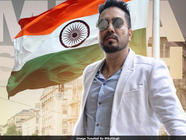 Mika Singh Draws Twitter's Fire By Saying 'Humara Pakistan'