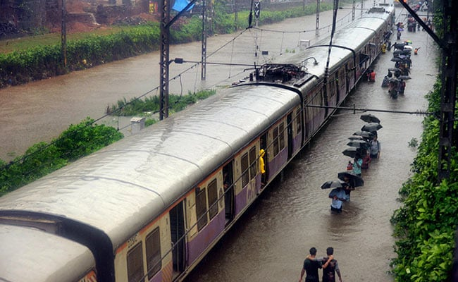 mumbai local train rains