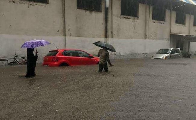 'Looks Ominous, Hope We're Prepared': Shobhaa De On Mumbai Rain