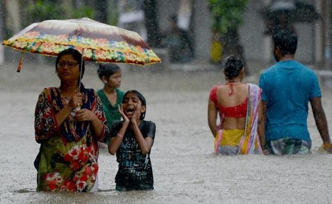 mumbai rain office afp