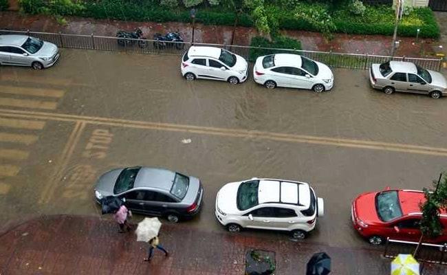 मुंबई में बारिश का कहर: बारिश से हुए नुकसान और सरकार की तैयारियों की 10 ख़ास बातें