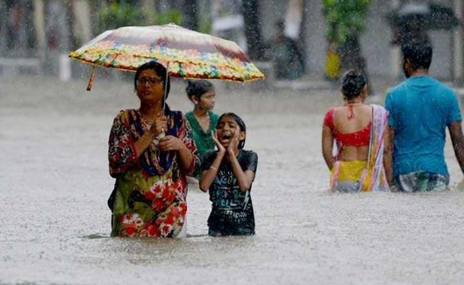 Mumbai Weather LIVE: Two Drown In Thane, Three Dead In Vikhroli