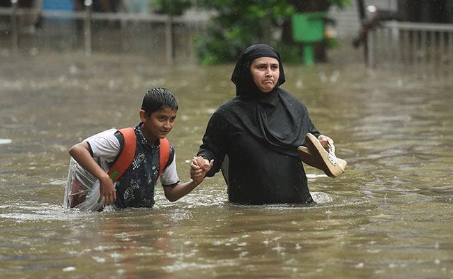 mumbai rains people pti