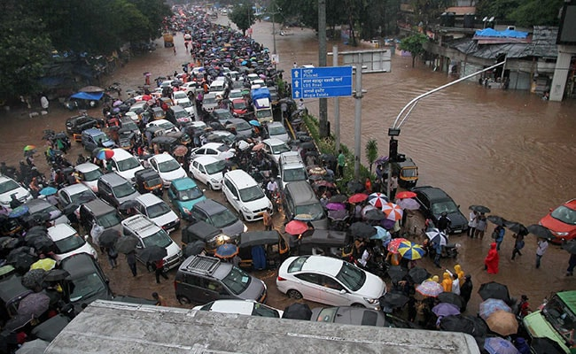 mumbai rains traffic pti