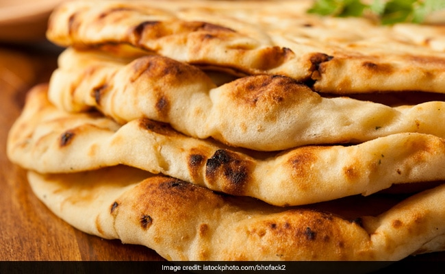 Indian Cooking Tips: How To Make Naan Without Yeast At Home (Recipe Video)