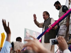 Former Pakistan PM Nawaz Sharif Rallies Crowds As Trek Ends In Lahore