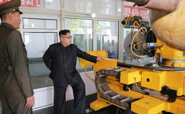 नए प्रतिबंधों से बौखलाया उत्तर कोरिया, कहा, हथियार कार्यक्रम को और बढ़ाएंगे