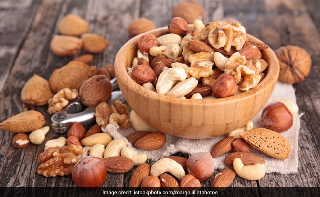 Eat Nuts Daily to Curb Obesity, Say Experts