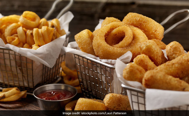 Onion Rings with Coconut Chutney