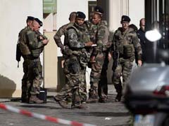 French Police Seek Vehicle After Soldiers Hit In Paris, 6 Injured