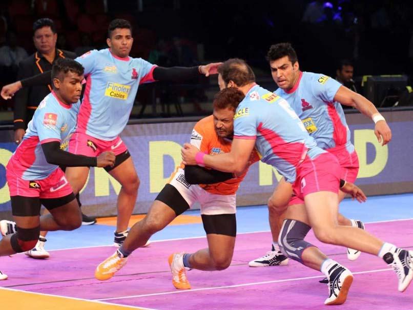Pro Kabaddi League: Jaipur Pink Panthers Edge Puneri Paltan 30-28