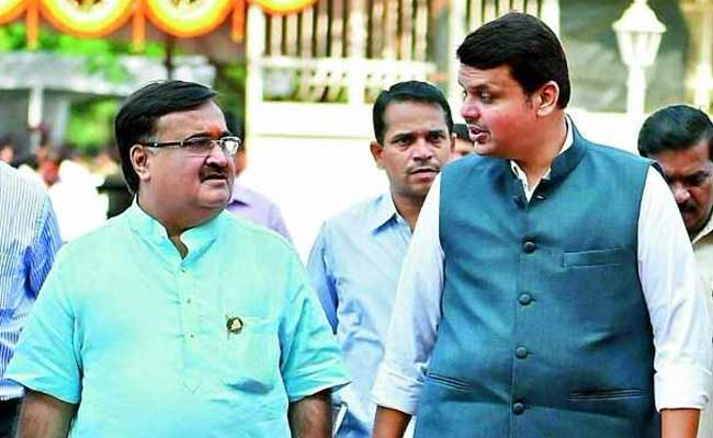 Maharashtra Housing Scam: Congress Protests Outside Prakash Mehta's Residence, Demands Resignation