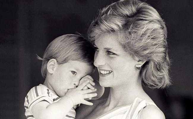 Princess Diana's Letters May Fetch Over USD 125,000 At Auction