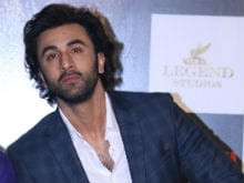 Ranbir Kapoor Finally Reacts To Dad Rishi's Attack On <I>Jagga Jasoos</i> Director