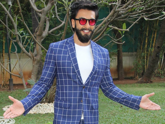 No, Ranveer Singh Is Not Meeting The Chainsmokers In Mumbai