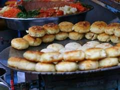9 Delicious Street Food Places to Try in East Delhi