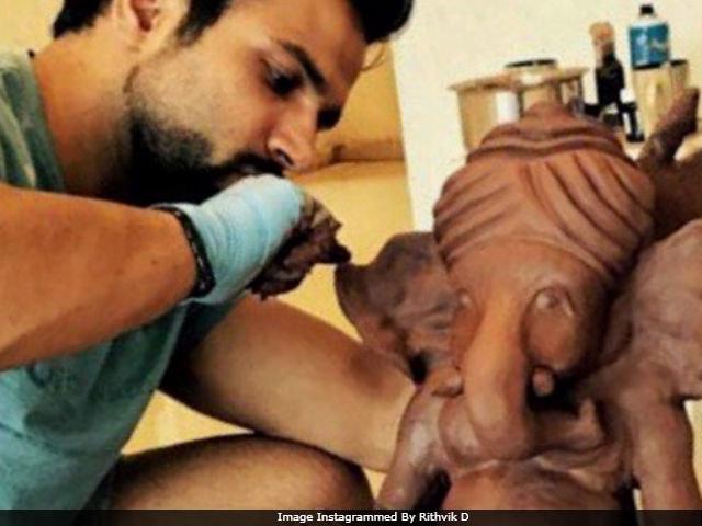 Ganesh Chaturthi: Rithvik Dhanjani Is Making His Own Ganpati Idol. See Pic