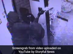 Watch: Thieves Fail To Smash Glass Door With Hammers, Leave Empty-Handed