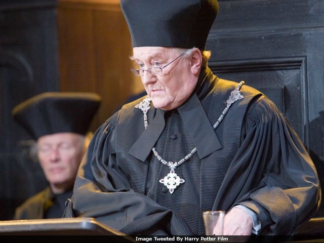 Robert Hardy Dies At 91. J K Rowling Bids Harry Potter's Cornelius Fudge Farewell On Twitter