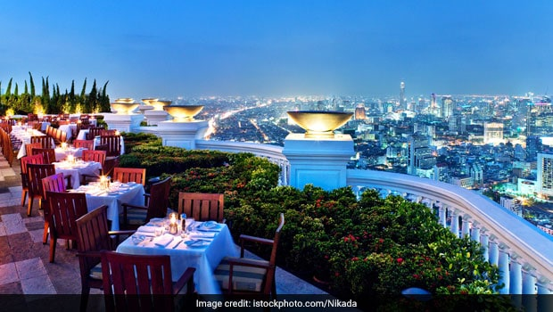 5 Stunning and Pocket friendly Rooftop Restaurants in Delhi