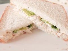 होममेड चिकन सैंडविच