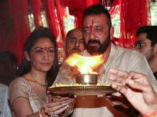 Ganesh Chaturthi 2017: Sanjay Dutt And Wife Maanyata Perform Ganesh <I>Aarti</I>. See Pics