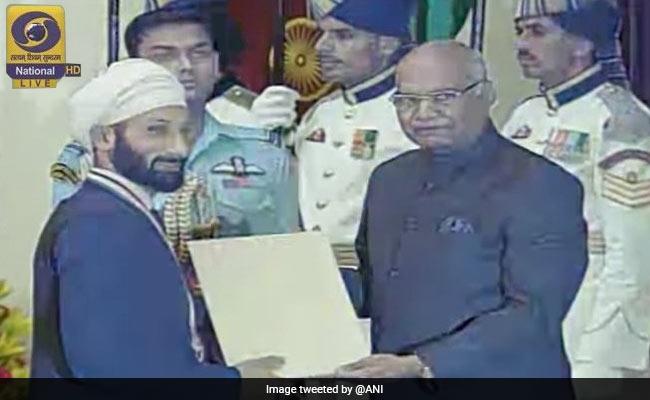 राष्ट्रपति ने सरदार सिंह और पैराएथलीट देवेंद्र झाझरिया को खेल रत्न से सम्मानित किया