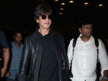 Shah Rukh Khan Injures Back While On His Way To Kolkata To Promote <i>Jab Harry Met Sejal</i>