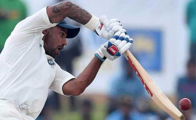 INDvsSL 3rd Test:  शिखर धवन और राहुल की शानदार बल्ल्ोबाजी के बाद श्रीलंका ने गेंदबाजों के सहारे की वापसी