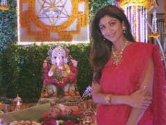 Ganesh Chaturthi 2017: Bollywood Celebs Who Welcome <i>Bappa</i>