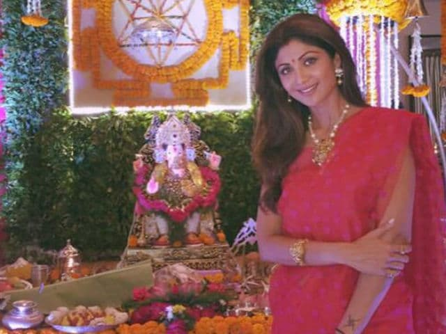 Ganesh Chaturthi 2017: Bollywood Celebs Who Welcome Bappa