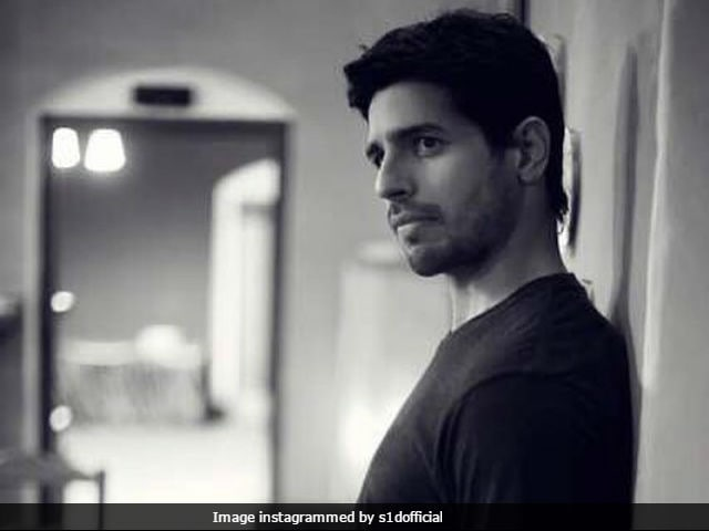 Sidharth Malhotras Desi Festive Binge Is Sure To Make You Drool!