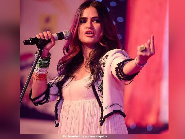 Sona Mohapatra's Cutting Response To Mika Singh's Tweet On Ram Rahim
