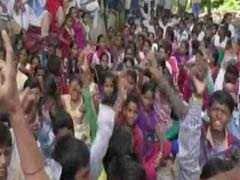 TISS के छात्रों ने मानव संसाधन विकास मंत्रालय के बाहर किया प्रदर्शन