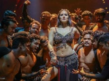Trippy Trippy: Sunny Leone Does The Hippy Hippy Shake In Bhoomi Song