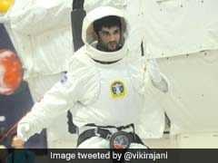 First Look: बॉलीवुड की गलियां छोड़ जानें NASA में क्या कर रहे हैं सुशांत सिंह राजपूत...