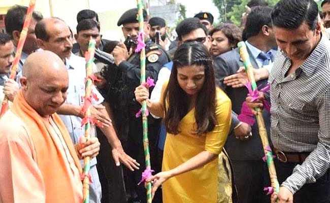 UP के CM का ऐलान, राज्य में 'टॉयलेट...' पर नहीं लगेगा टैक्स