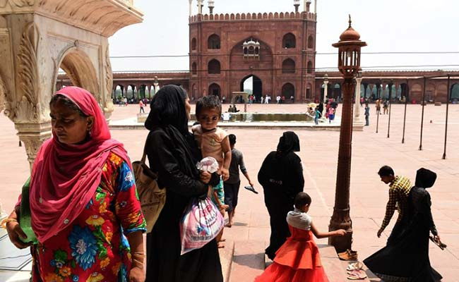 Muslim Law Body AIMPLB Vows To Remove 'Flaws' In 'Triple Talaq' Bill
