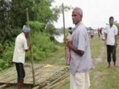 Uttar Pradesh Villagers, Upset With Yogi Adityanath, Protest In Neck-Deep Water