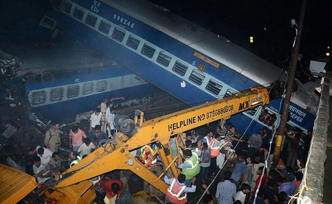 मोदी सरकार भी न रोक पाई रेल हादसों को, हो चुकीं है अब तक ये 8 दुर्घटनाएं